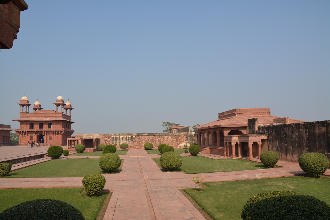The Panch Mahal or The Wind Catcher Tower at Fatehpur Sikri, which dates to 1551. Located near the zenana, it is believed to have been constructed for relaxation. The building uses design elements from Buddhist temples and is entirely culumnar. Music performances and other entertainments were held there.